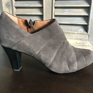 NEW Clark's Artisan Suede Booties, 9.5